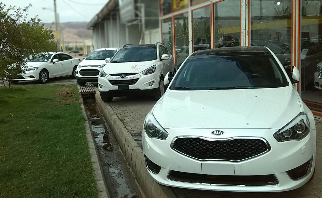 کمتر از 5 خودرو لوکس در تهران روزانه به فروش می رسد