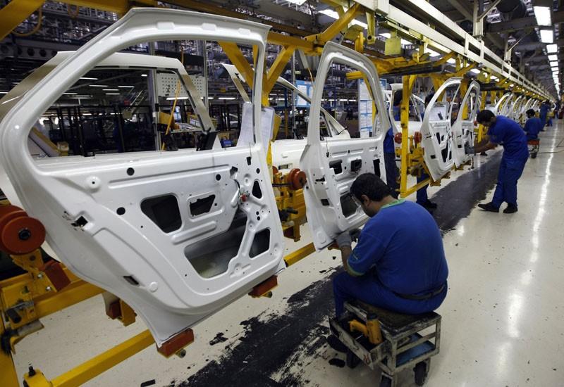 خودروسازان قصد دارند مرحله به مرحله قیمتها را بالا ببرند