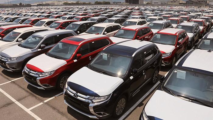 انجام 95 درصد تعهدات وارد کنندگان با ترخیص خودروهای مانده در گمرک
