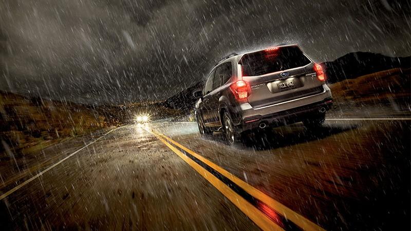 نکات رانندگی در هوای بارانی و جاده لغزنده