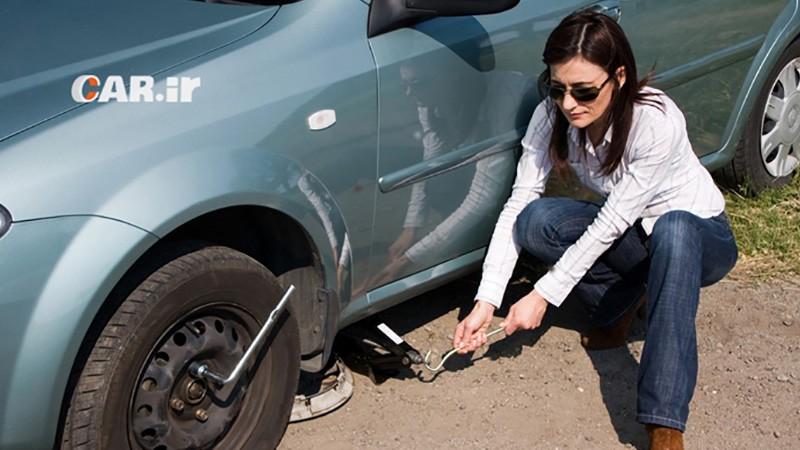 چگونه لاستیک پنچر خودرو را تعویض کنیم؟ آموزش گام به گام