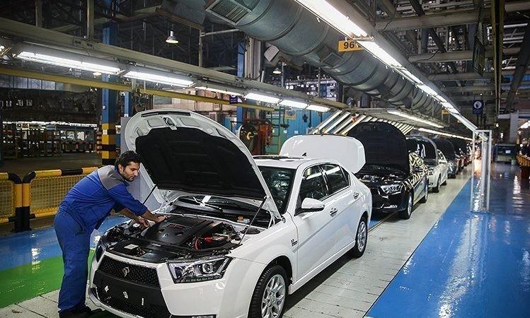 مدیر فروش ايرانخودرو: روزانه بيش از 1500 دستگاه خودرو تحويل میدهيم