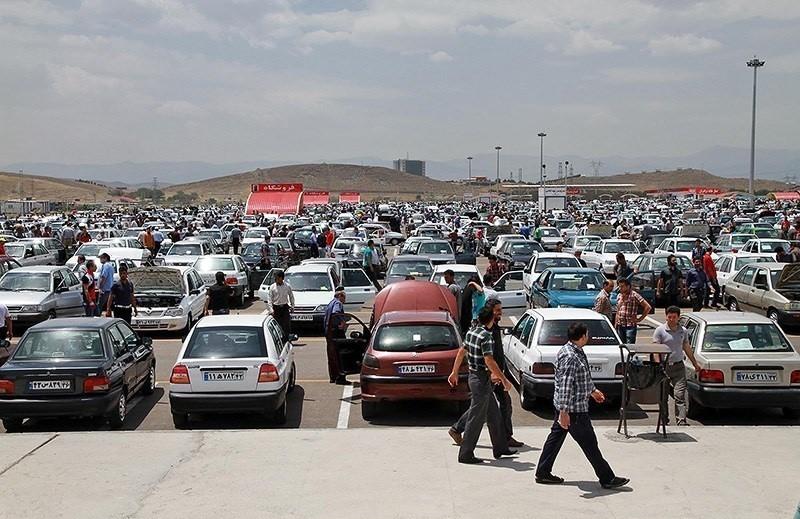 با افزایش قیمت، فروشنده در بازار خودرو زیاد شد؛ جولان نمایندگیها در فضای مجازی