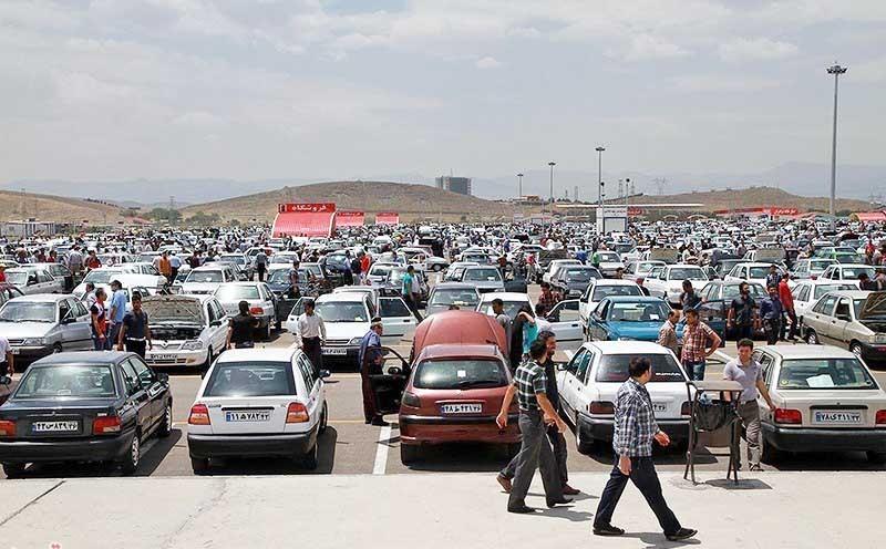 قیمت خودروهای داخلی در بازار ساعتی کاهش می یابد