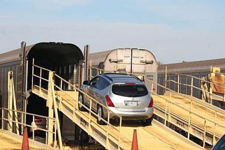 شرایط نوروزی حمل خودرو با قطار اعلام شد + جدول هزینه