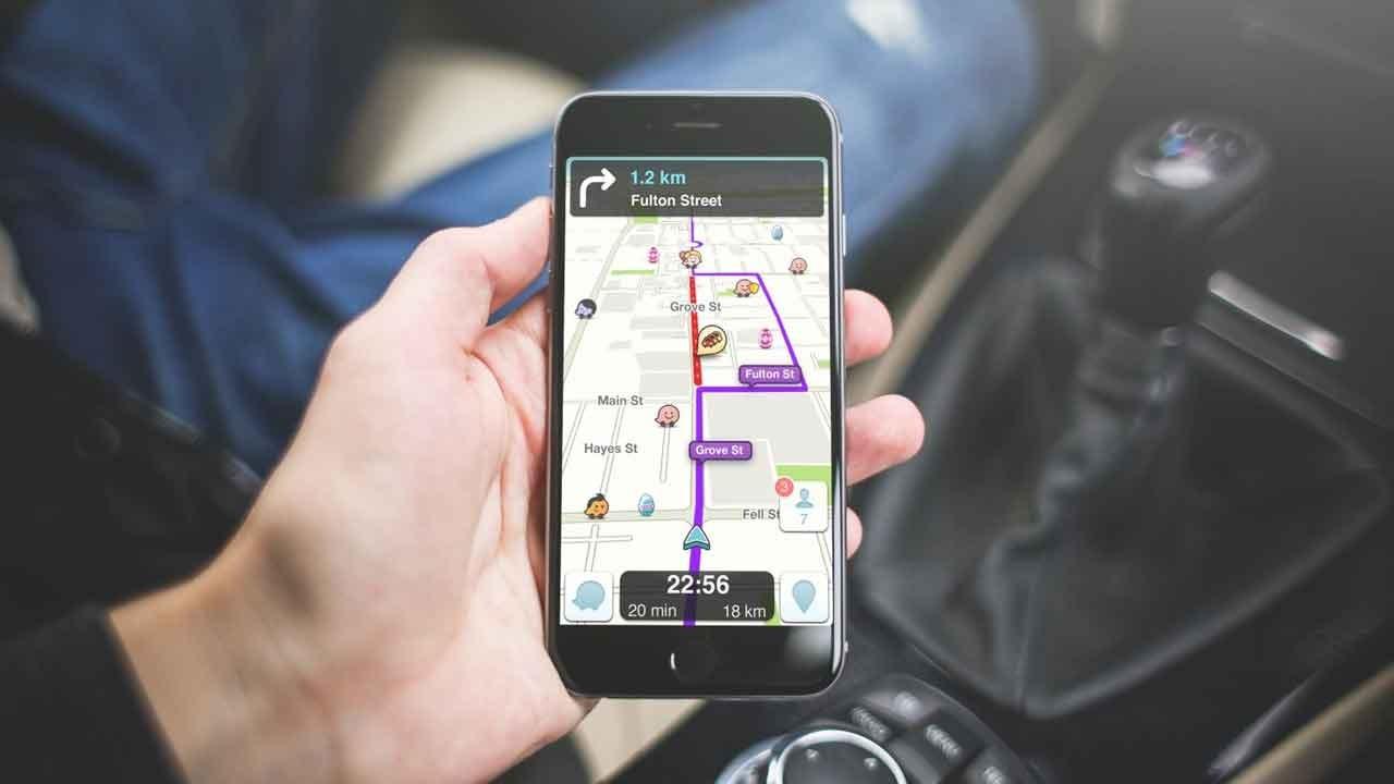 تمام راه حلهای ممکن برای استفاده از تلفن همراه حین رانندگی