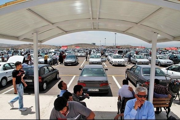 سردرگمی در کاهش و یا افزایش قیمت ؛ بازار در انتظار ورود خودروها با مدل 98