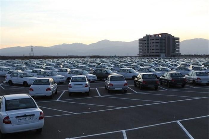 ادامه بحران با عرضه کم خودروسازان و افزایش قیمت خودرو در بازار سال نو