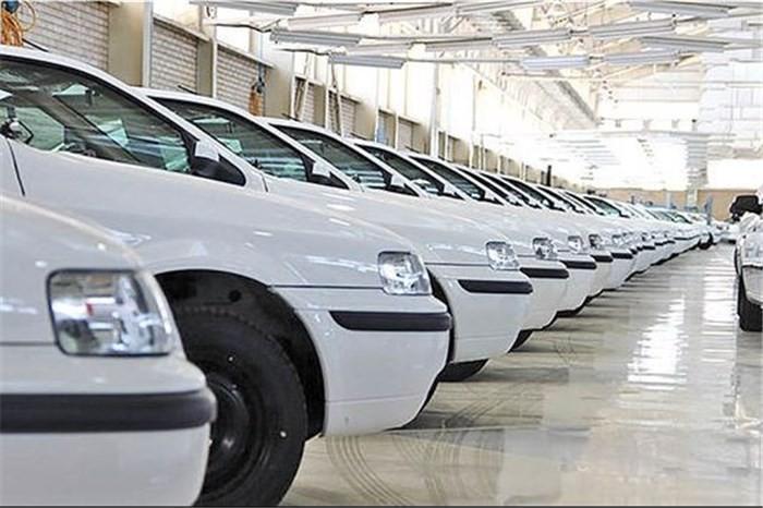 بیش از ۱۰۰ هزار خودروی ناقص در کف کارخانهها خاک می خورند