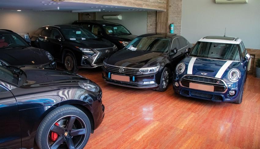 در بازار خودروهای خارجی کشور دلالان حضور ضعیف تری دارند