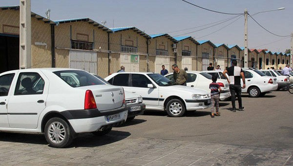 ادامه کاهش قطره چکانی قیمت خودرو در بازار کشور