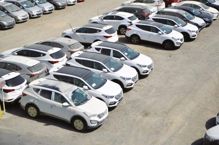 متقاضیان خرید خودروهای وارداتی منتظر کاهش شدید قیمت ها باشند