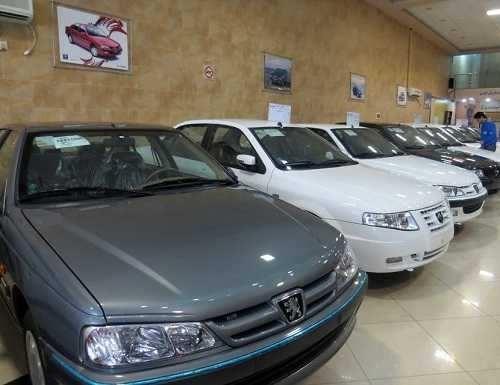 ادامه سقوط آزاد قیمت خودروهای وارداتی و داخلی در بازار