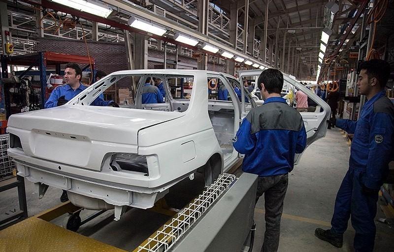 نگاهی به آمار تولید ایران خودرو در اردیبهشت ماه امسال
