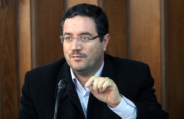 رحمانی وزیر صنعت: هیچ خودروسازی حق واردات قطعه تولید داخل را ندارد