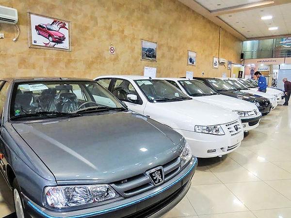 شرکت ایران خودرو اعلام کرد: روزانه 1500 دستگاه خودرو تحويل می دهیم