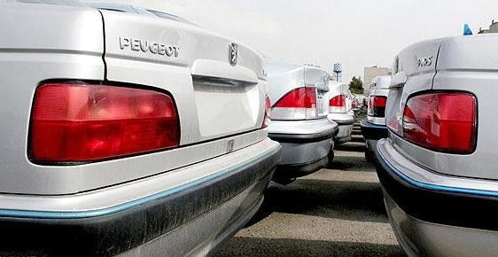 کاهش ۳۰ درصدی قیمت خودرو با واردات خودرو با تعرفه ۹۰ درصد