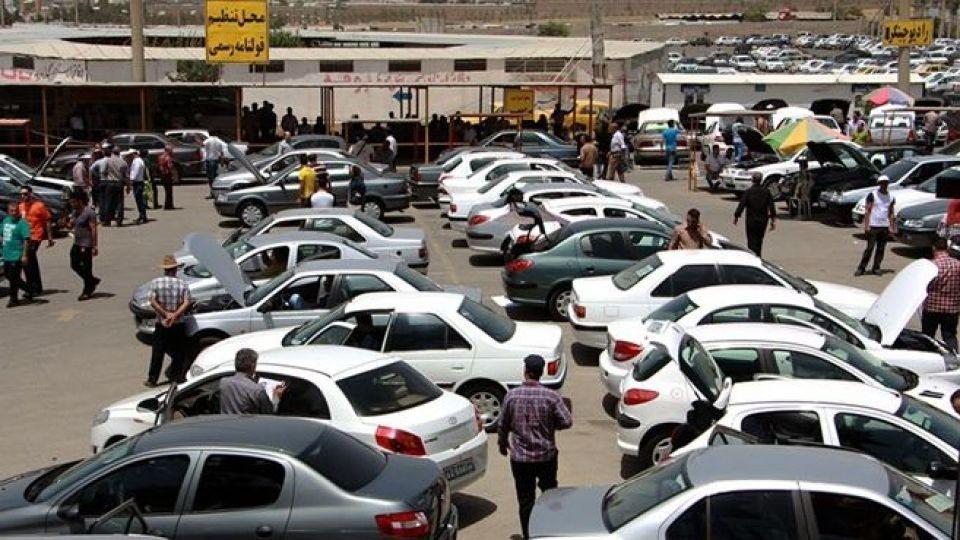 جدول قیمت روز خودروهای داخلی در بازار ۲۷ تیر ۹۸ / مشتری در بازار نیست؛ کاهش ۱ تا ۶ میلیون تومانی قیمتها - 27 تیر 98