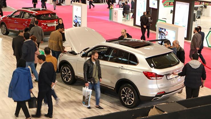 بلاتکلیفی بیش از 3500 مشتری عظیم خودرو