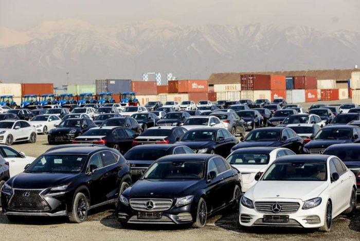 دلایل گرانی شدید خودروی وارداتی در ایران چیست؟.jpg