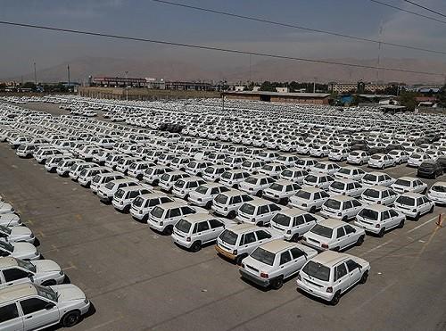 دادستان از یک پارکینگ شخصی که پر از خودروهای سایپا بود بازدید کرد