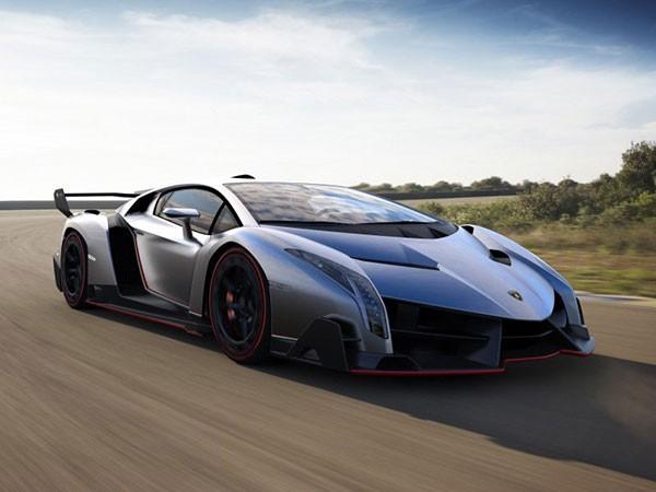 10آشنایی با زشتترین خودروهای تاریخ + عکس.jpg