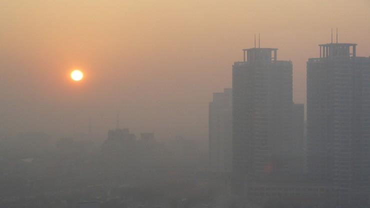 عامل آلودگی هوا کدام است! خودرو یا بنزین؟