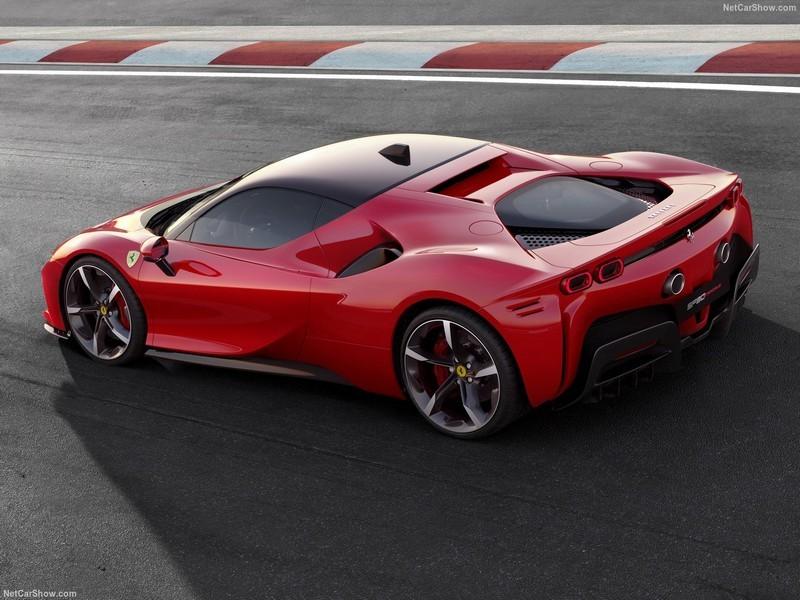 Ferrari-SF90_Stradale-2020-1280-04.jpg