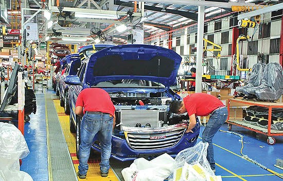 خودروسازان چینی در صف ورود به بازار هند - 30 دی 98