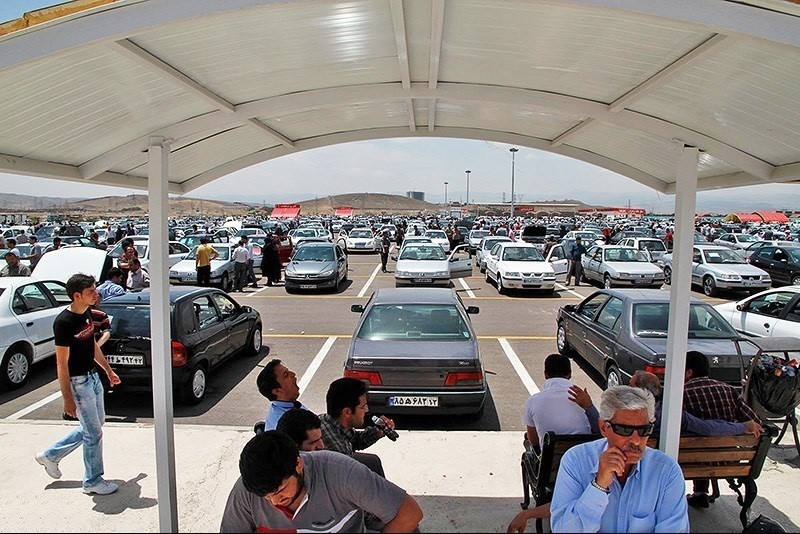 باز نشدن قفل معاملات در بازار خودروی کشور