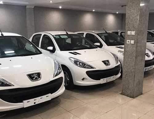 چرا سیاست وزارت صمت برای کاهش قیمت خودرو شکست خورد؟