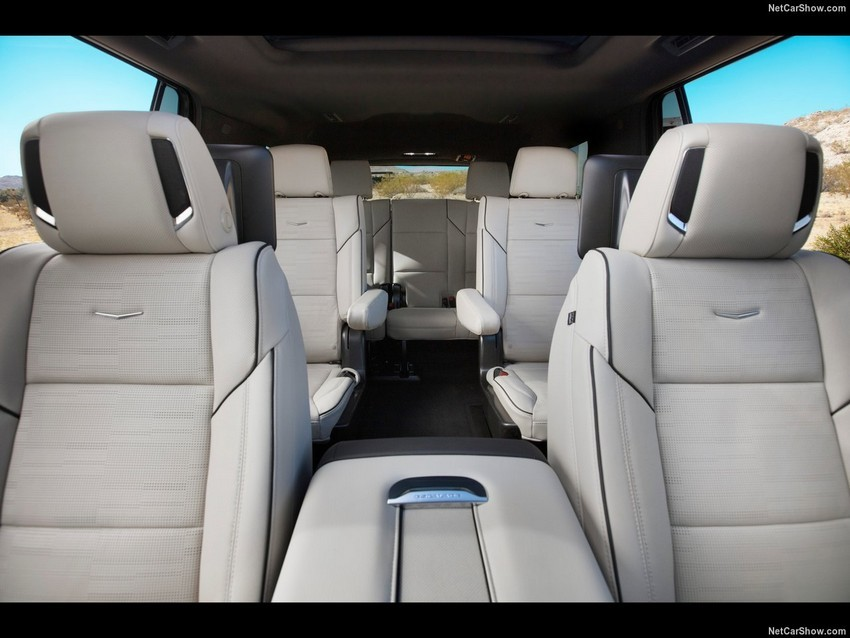 Cadillac-Escalade-2021-1280-3c.jpg