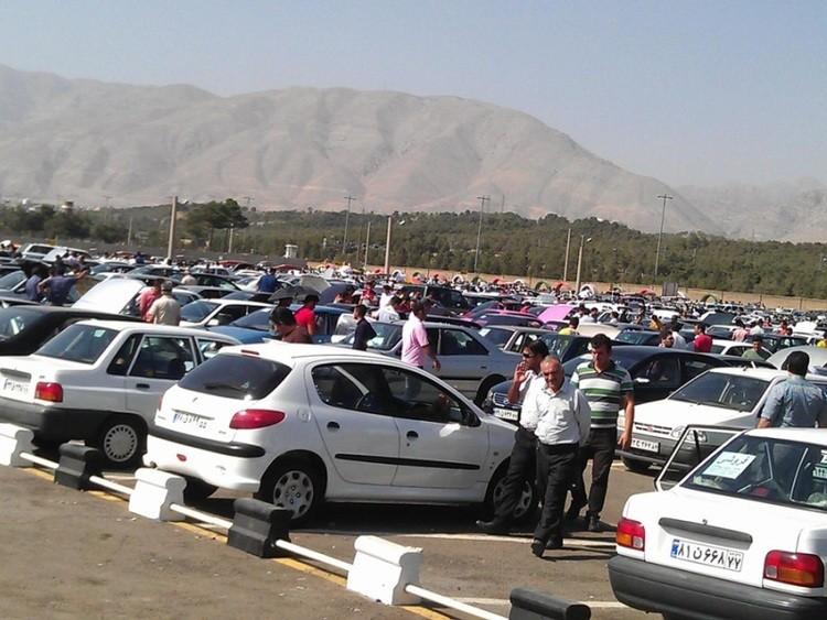 تعزیرات به انتقاد رئیسی از گرانی خودرو پاسخ داد : دادستانی به نرخگذاری سایتهای فروش ورود کند