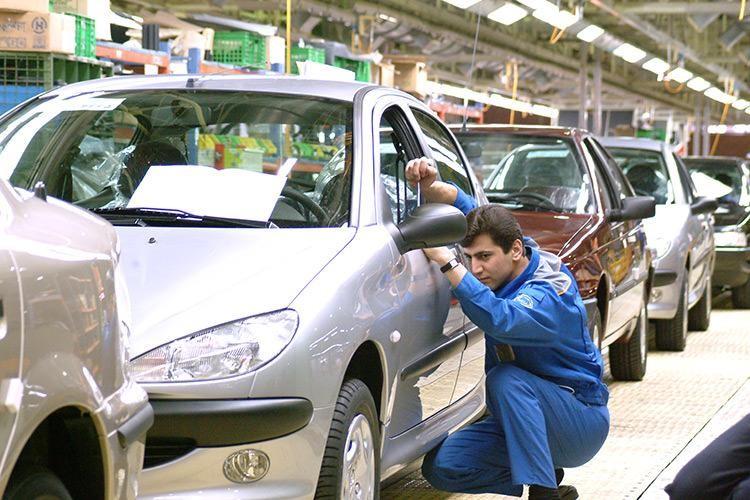 تحریمها باعث کاهش کیفیت خودروهای تولیدی در ایران شدند