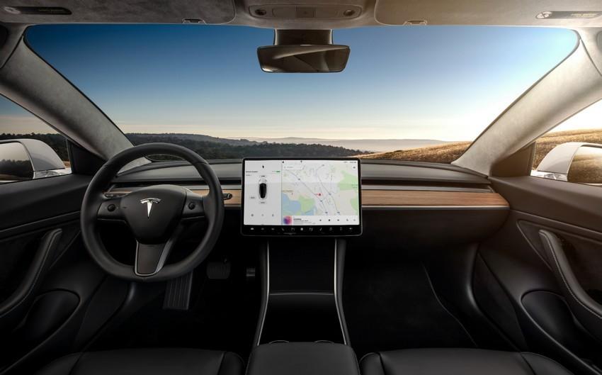 2019-Tesla-Model-3-01.jpg