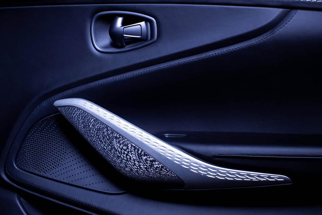 Aston-Martin-DBX-Q-8.jpg