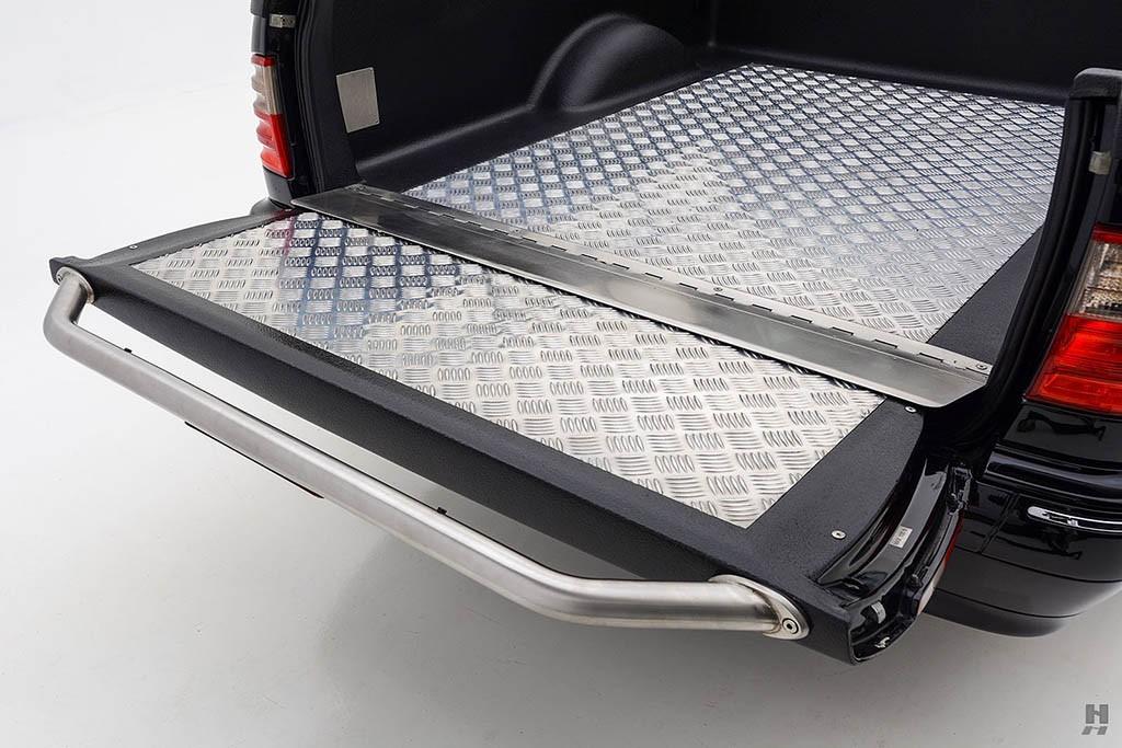 Mercedes-E320-Pickup-30.jpg