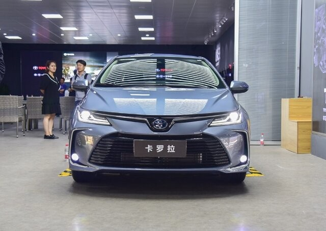 تویوتا با همکاری FAW چین، خودروی برقی میسازد