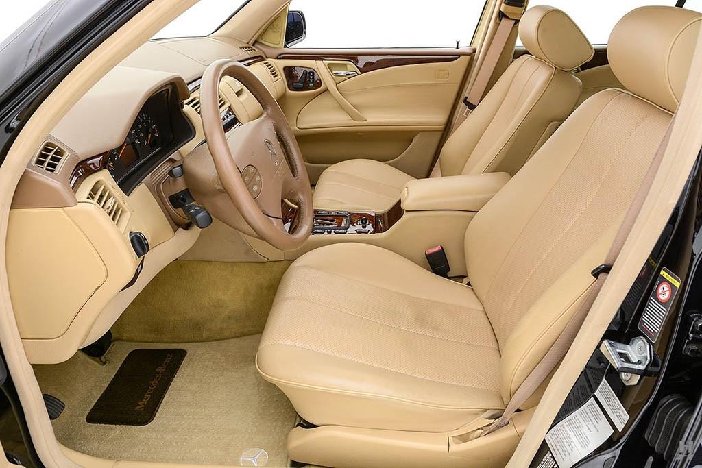 Mercedes-E320-Pickup-10.jpg