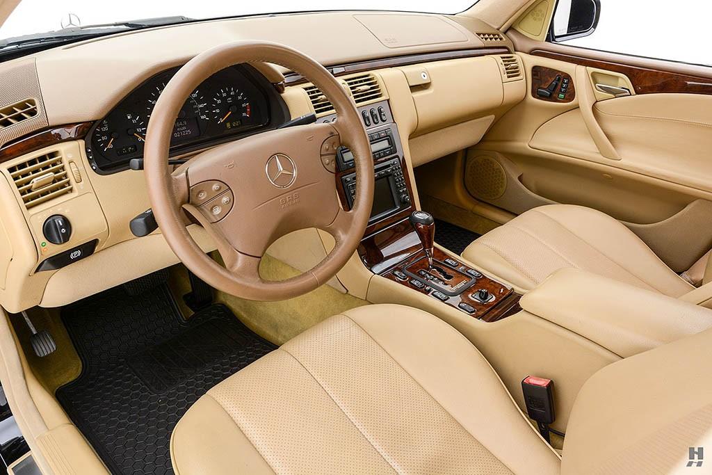 Mercedes-E320-Pickup-8.jpg