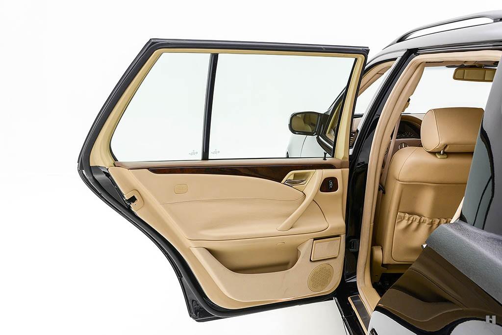 Mercedes-E320-Pickup-19.jpg