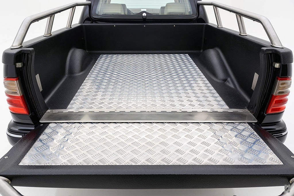 Mercedes-E320-Pickup-31.jpg