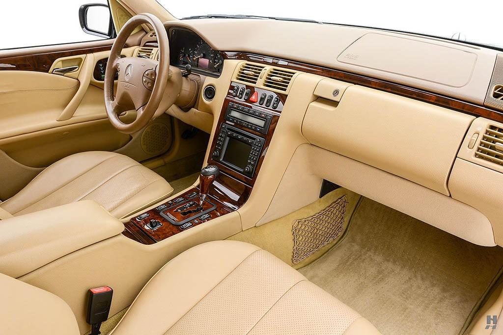 Mercedes-E320-Pickup-11.jpg