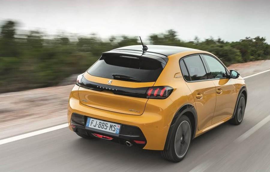 Peugeot-208-03.jpg