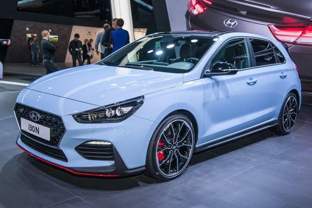 بازهم کرونا ، افت ۹۵ درصدی فروش خودروسازان کرهای!