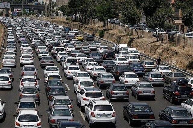 عجیب ولی واقعی ، ترافیک سنگین در ۵ محور خروجی تهران