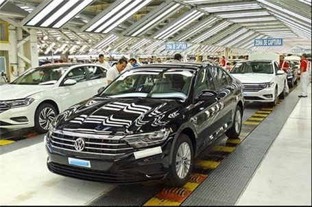 تعطیلی کارخانههای خودروسازی در هالهای از ابهام
