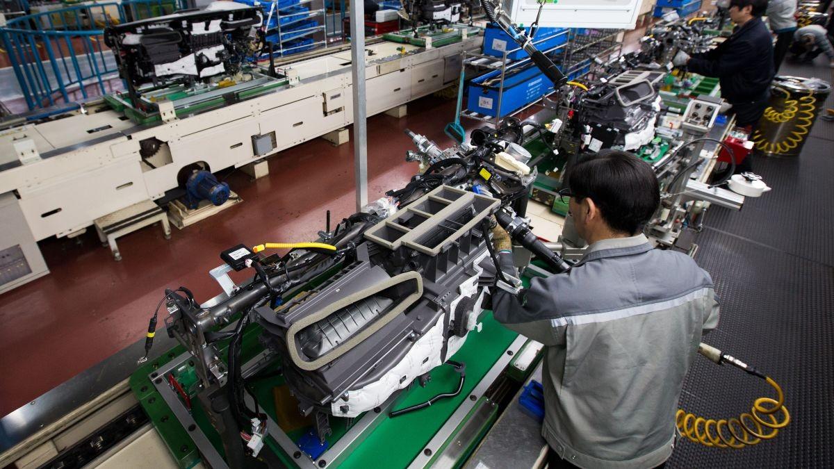 کرونا کارخانههای خودروسازی هند را هم تعطیل کرد