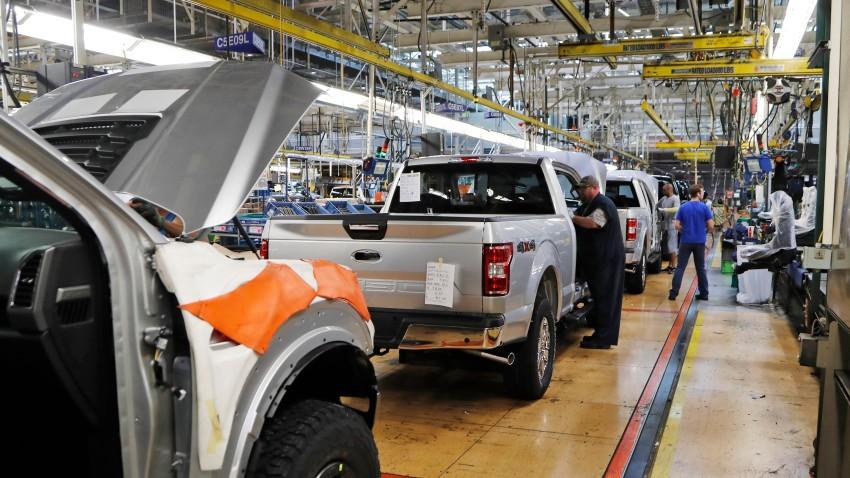 ادامه تعطیلی خودروسازان آمریکایی تا یک ماه دیگر!