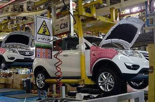 خودروسازان کشور بر سر دو راهی تولید